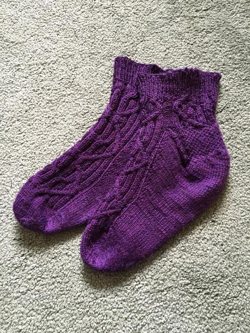 Magenta cable socks