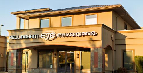 ophthalmologist-optometrist-eye-doctor890bf52db06b2a40.jpg