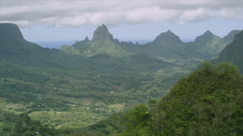 Moorea, Aerial view of the island and mountain chain