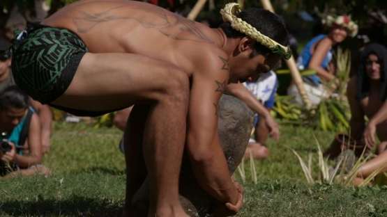 Heiva Tahiti, Traditional sports of Polynesia, Stone carriers traditional contest