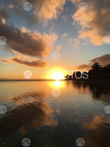 Tahiti, Sunset at the lagoon of Atimaono on the lagoon