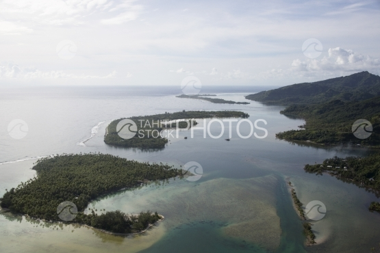 Huahine, aerial view of the lagoon and motu