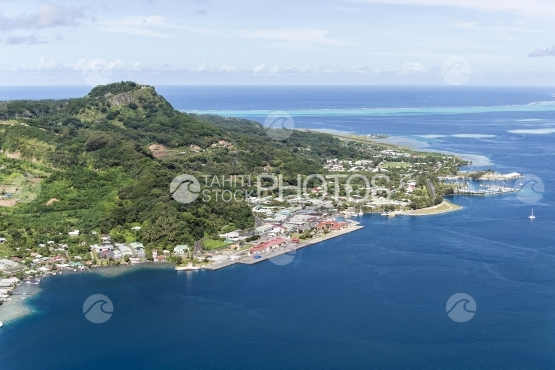 Raiatea, aerial view of the village Uturoa