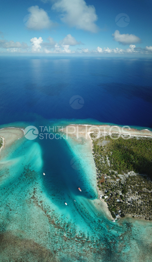 Toau, aerial shot of Anse Amio