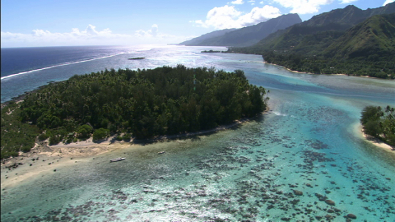 Moorea, aerial view of islets in the lagoon, leeward islands