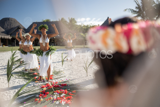 Bora Bora, traditional wedding and polynesian dancers