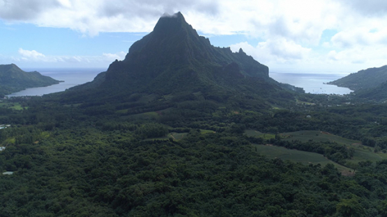 Moorea, aerial view from the Belvédère and two bays, 4K UHD
