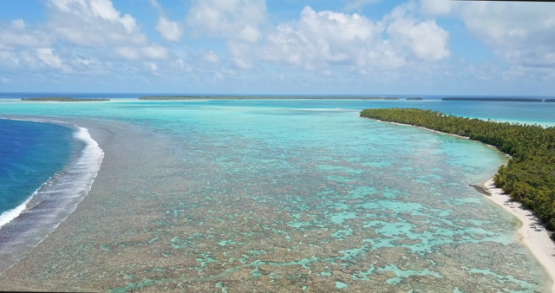 Tetiaroa 4K drone, aerial view of the beach in front of the lagoon