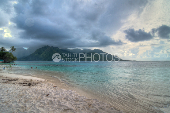 Opunohu bay and Taahiamanu beach under clouds