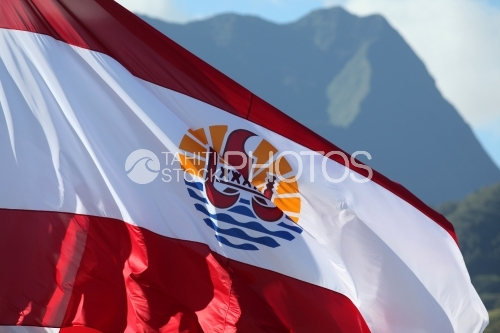 Polynesian Flag And Mountain, Drapeau Polynésien